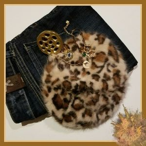 Accessories - Fuzzy Faux Fur Leopard Print Beret 🐆